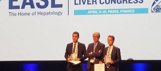 Jesús Bañales recibe el Young Investigator Award de la European Association for the Study of the Liver (EASL)